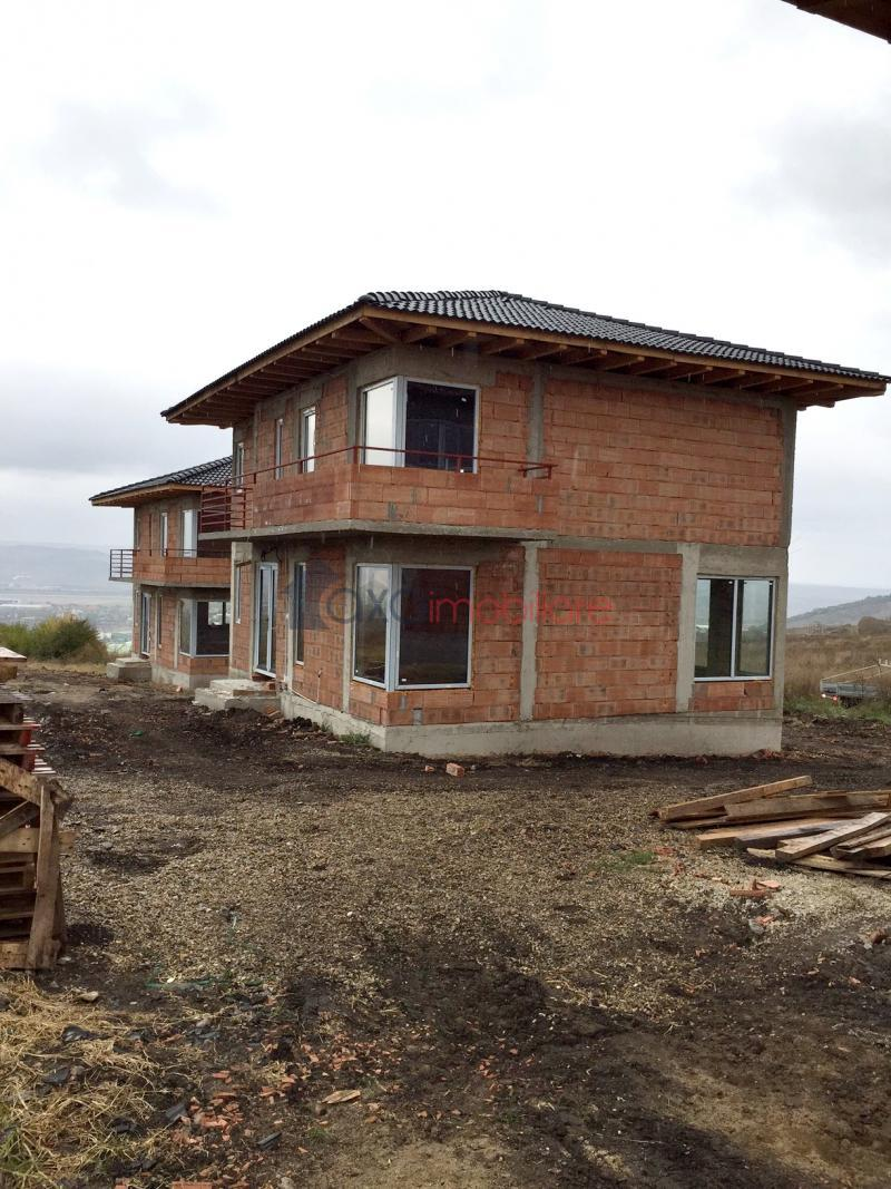 Casa 4 camere de  vanzare in Dezmir