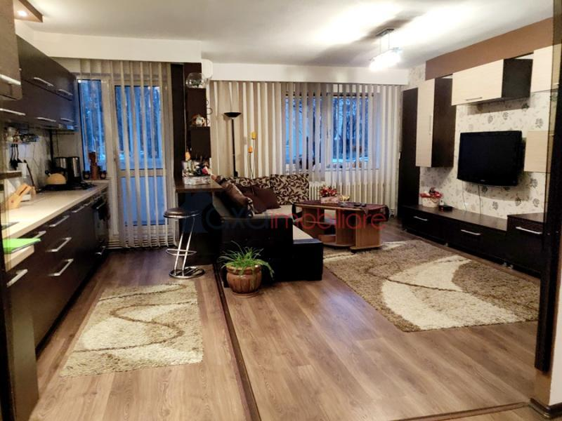 Apartment 4 rooms for sell in Cluj-napoca, ward Manastur
